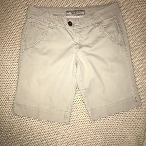 BKE Casuals khaki Bermuda shorts w/stretch EUC